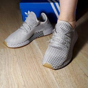New Adidas deerupt men5/women 7
